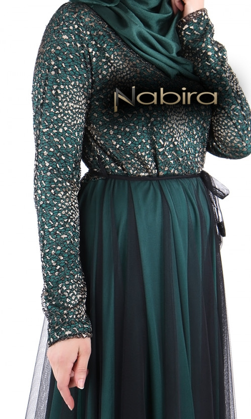 Kleid aus Lycra mit goldener Spitze oben und schwarzem ...